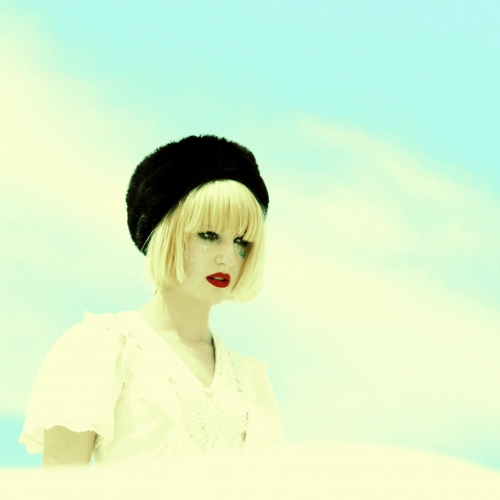 Beth Jeans Houghton signs with Mute Records